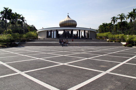 National Monument main square