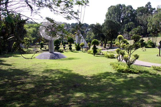 Plaza Tugu Negara Asian sculpture garden