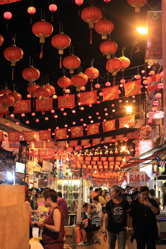 malacca things to do jonker street night market
