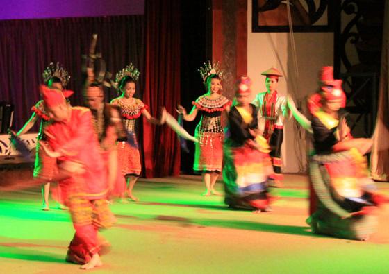 sarawak cultural village dance performance 1
