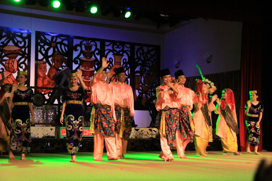 sarawak cultural village dance performance 12