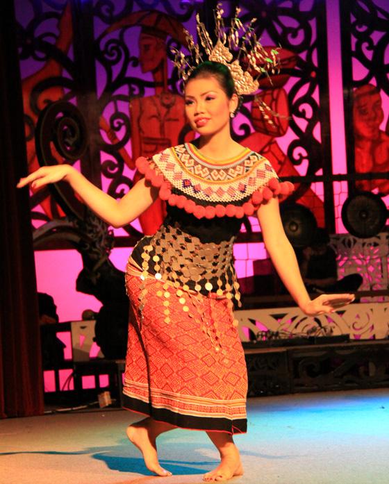 sarawak cultural village dance performance 3