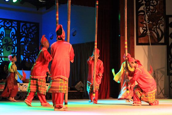 sarawak cultural village dance performance 7