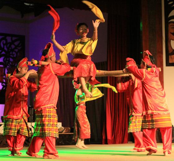 sarawak cultural village dance performance 8
