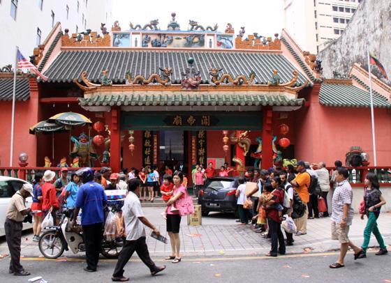 guan di temple chinatown kuala lumpur 1