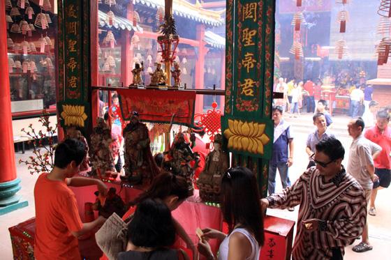 guan di temple chinatown kuala lumpur 4