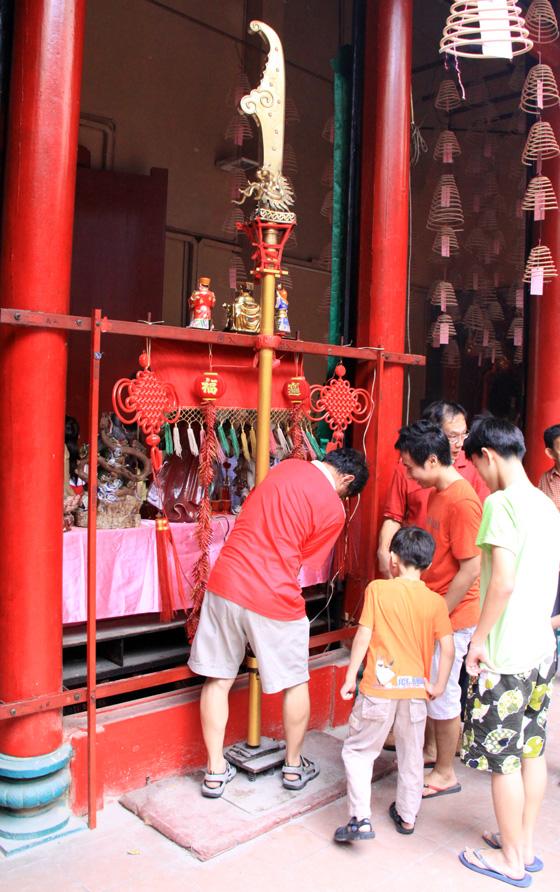 guan di temple chinatown kuala lumpur 6