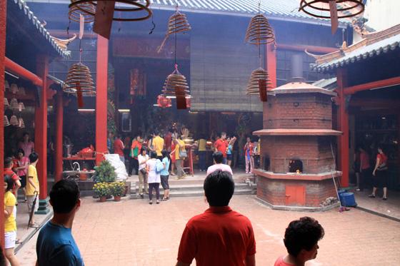 guan di temple chinatown kuala lumpur 7
