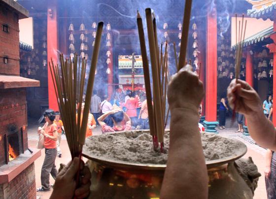 guan di temple chinatown kuala lumpur 8