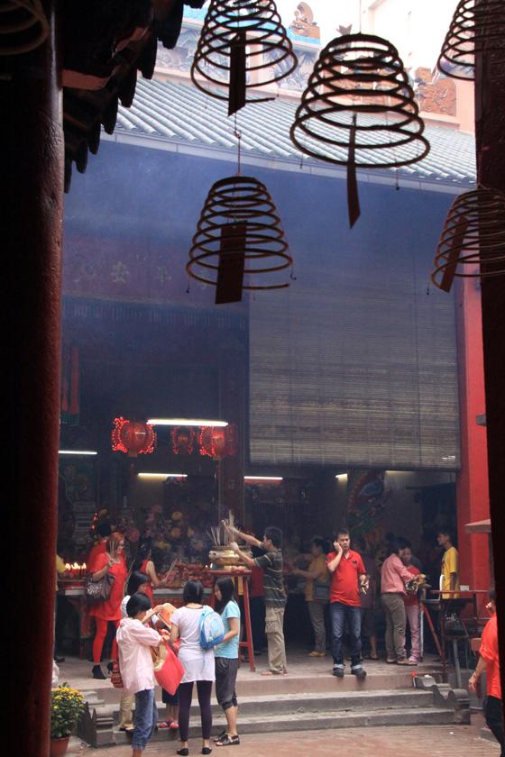 guan di temple chinatown kuala lumpur 9