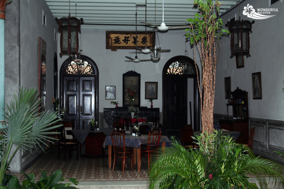 Cheong Fatt Tze Mansion (Blue Mansion) in Georgetown, Penang 8