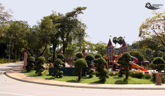 childrens playground lake gardens 1