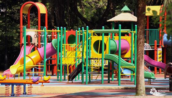 childrens playground lake gardens 2