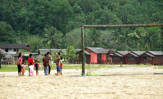 cherating-beach-malaysia-5