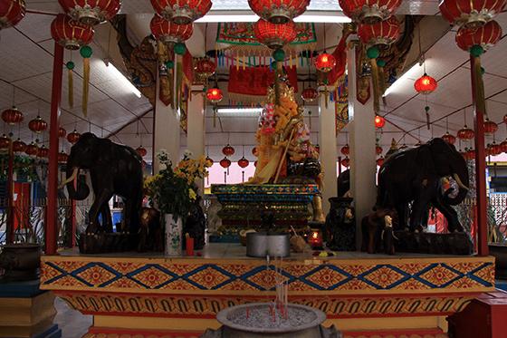 wat-chayamangkalaram-thai-buddhist-temple-12