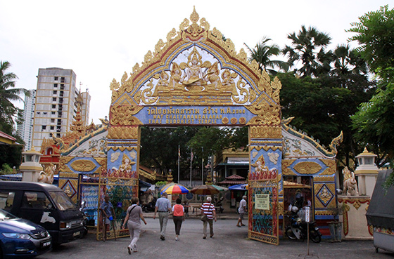 wat-chayamangkalaram-thai-buddhist-temple-13