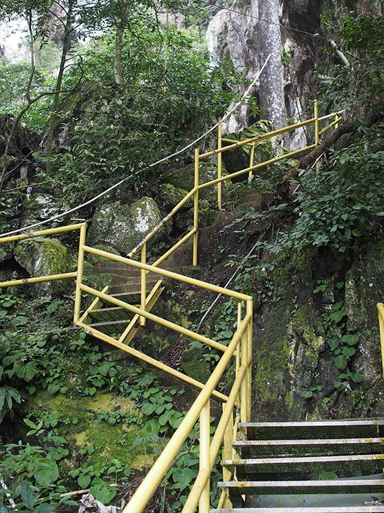 charah-caves-pahang-malaysia-3
