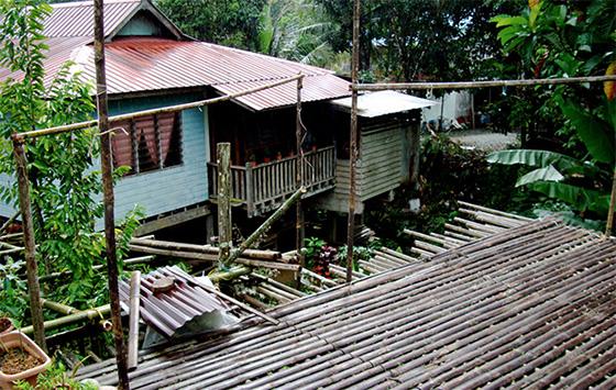longhouse-sarawak-1