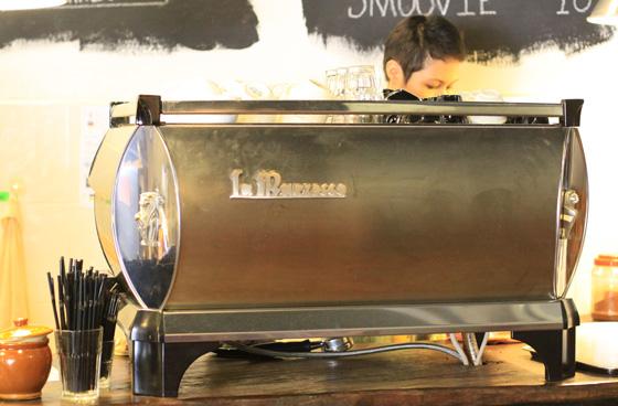 artisan roast coffee place ttdi 4
