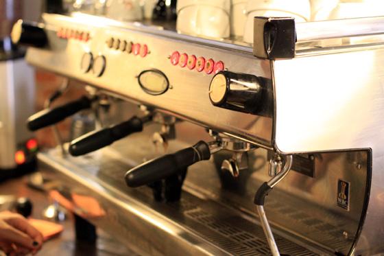 artisan roast coffee place ttdi 5