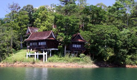 Kenyir Lake resort 1
