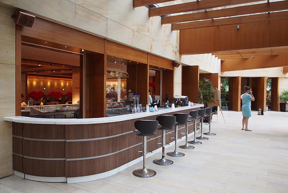 Shangri-La's Rasa Sayang Resort Lounge