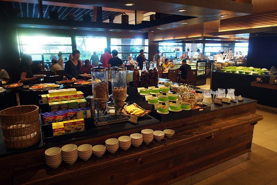 Shangri-La's Rasa Sayang Resort Buffet