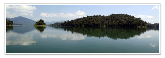 Lake Kenyir Panorama 1